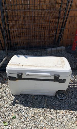 Igloo large cooler for Sale in Wenatchee, WA