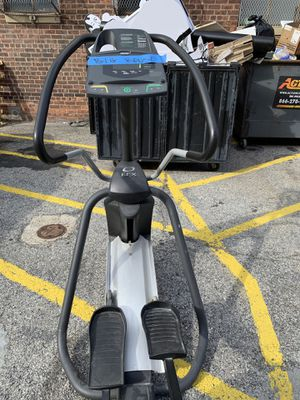 Precor Elliptical for Sale in Parlin, NJ
