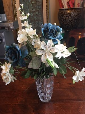 Crystal Vase and flowers for Sale in Dallas, TX