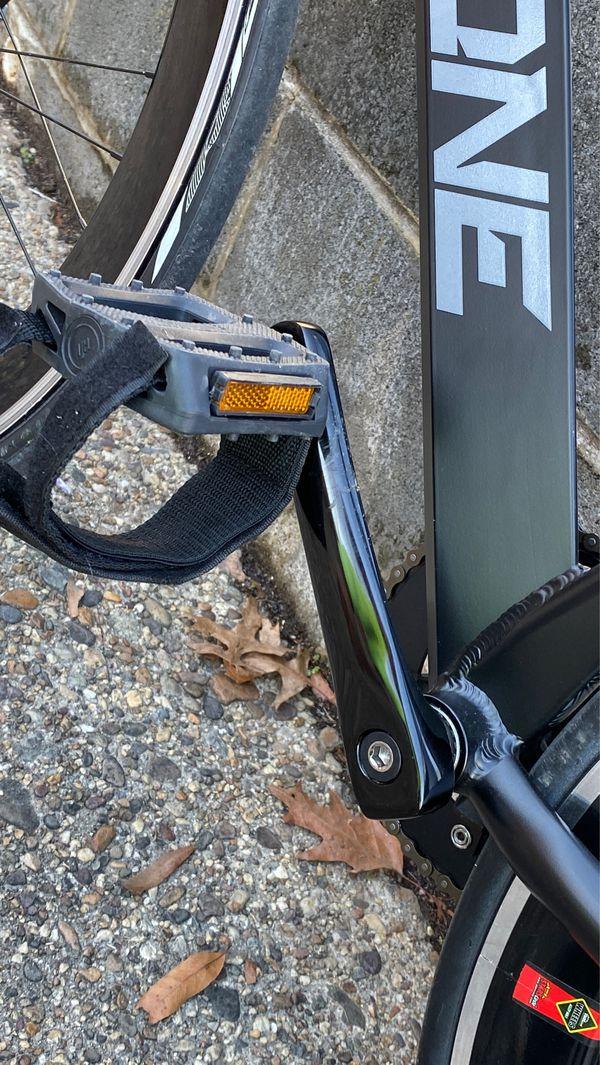 THRONE Fixie Gear Bike