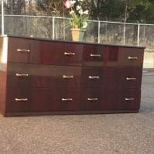 MODERN DRESSER WITH DRAWERS GOOD CONDITION for Sale in Fairfax, VA