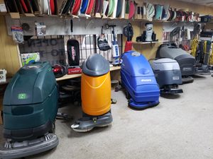 Scrubbers, extractors,buffers for Sale in Houston, TX