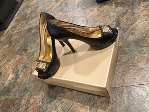 Michael Kors 7.5 US woman size for Sale in Tinley Park, IL