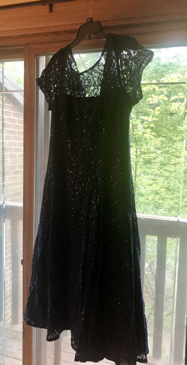 Beautiful navy blue mother of the bride dress!