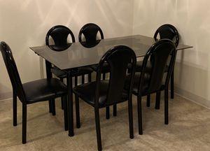 Dining table for Sale in Rancho Santa Fe, CA