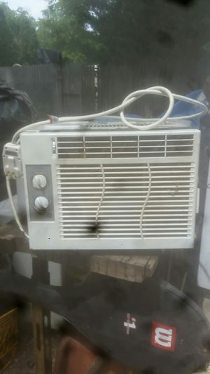 5550 but ac window unit for Sale in Egg Harbor Township, NJ