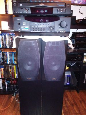 RECEIVER, CD PLAYER, TWO SPEAKERS for Sale in Tujunga, CA