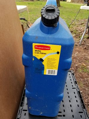 Rubbermaid water can-tainer 6 gal for Sale in Stuyvesant, NY