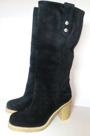 UGG BOOTS Size 7 for Sale in Tampa, FL