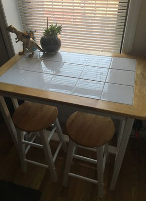 Breakfast Table & Stools for Sale in Brooklyn, NY
