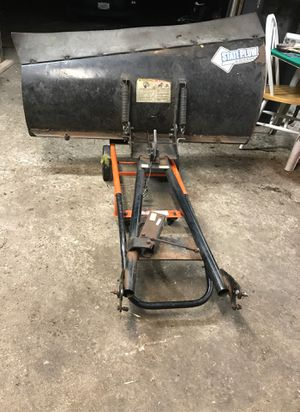 Cycle country 52 inch atv plow and manual lift for Sale in Algonquin, IL