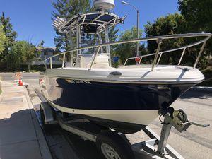 2014 Robalo R200 Center Console boat. GPS/Fishfinder/Radar for Sale in Stevenson Ranch, CA