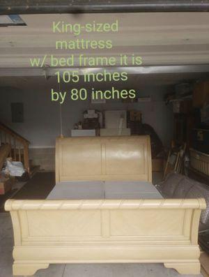 King Bedroom Set for Sale in Murfreesboro, TN