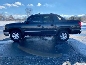 2004 Chevrolet Avalanche for Sale in Flint,  MI