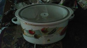Crock pot 5 or best offer missing nob like new for Sale in Denver, PA