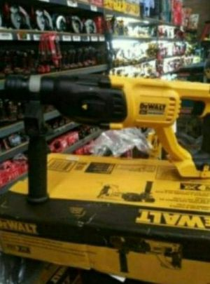 DEWALT 20V XR BRUSHLESS ROTARY HAMMER 1 IN SDS for Sale in San Bernardino, CA