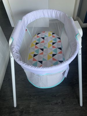 Baby bassinet for Sale in Los Angeles, CA