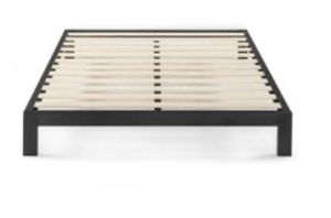King size platform bed frame for Sale in Wood River, IL