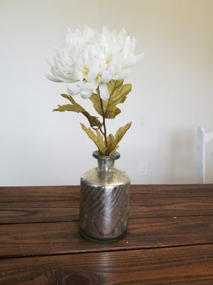 Flower Vase with Faux Flower for Sale in Kissimmee, FL