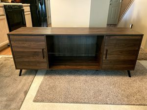 """*BRAND NEW* WALKER EDISON MID CENTURY 60"""" TV STAND . RETAILS AT $268 for Sale in Dublin, OH"""