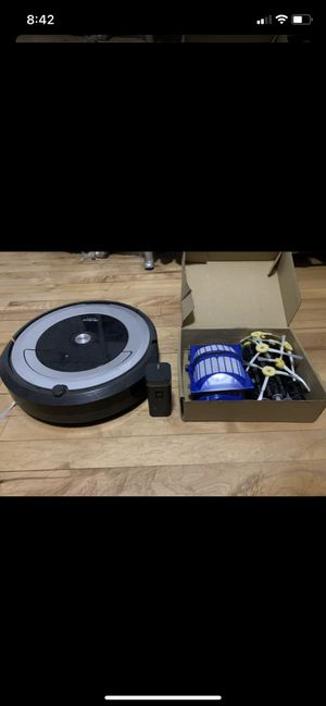 iRobot Roomba - vacuum for Sale in Chicago, IL