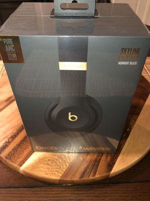 Brand new Studio3Beats wireless headphones for Sale in Havelock, NC