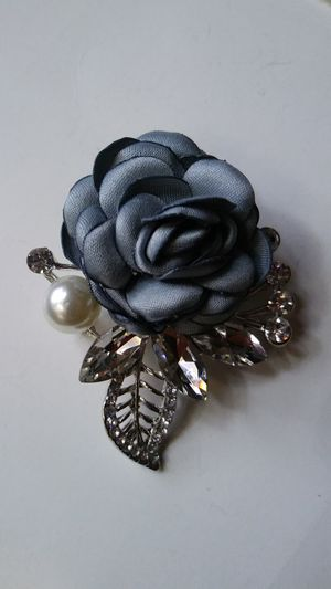 "Sparkling blue rose crystal brooch 2""1/4x2"" for Sale in El Cerrito, CA"