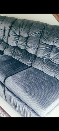 Sectional Sofa w/ Reclining and Pull out bed for Sale in Wayne,  IL