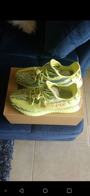 BRAND NEW AUTHENTIC YEEZY 350 VZ (SIZE 10)! PRICE IS FIRM! for Sale in Delray Beach, FL
