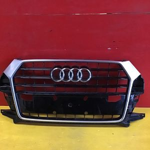 2016 2017 2018 Audi Q3 Grille OEM for Sale in Los Angeles, CA