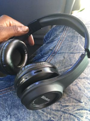 Bluetooth headphones for Sale in Chesterfield, VA