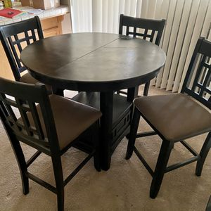Pub Table And 5 Chairs for Sale in Fresno, CA