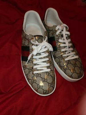 Gucci shoes. Gold fly.size 11 for Sale in San Diego, CA