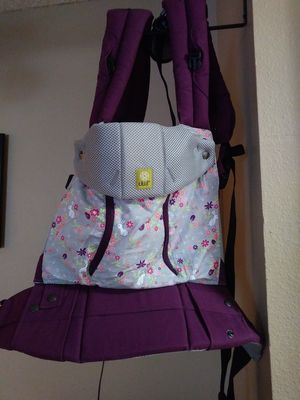 Lillebaby Baby Carrier for Sale in Austin, TX