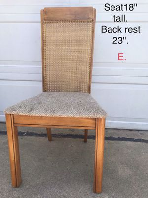 Chair. for Sale in Des Plaines, IL