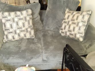 Plush Like New Love Seats With Throw Pillows for Sale in Aurora,  CO