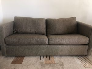 Brown Couch (Pull out bed) for Sale in Banning, CA