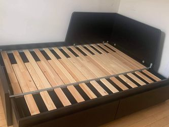 Day Bed With 2 Bottom Drawers for Sale in Queens,  NY