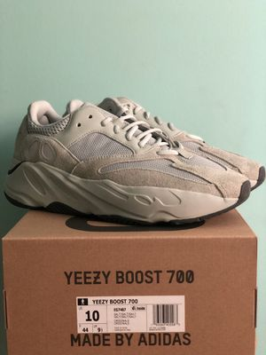 Yeezy Boost 700 'Salt' size 10 for Sale in North Springfield, VA