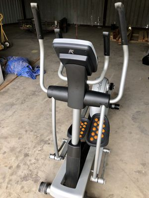 Elliptical for Sale in Lytle, TX