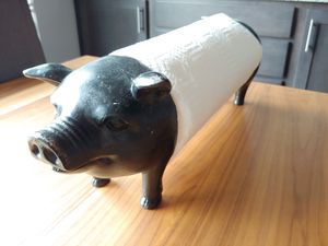 Resin pig paper towel holder for Sale in Snohomish, WA