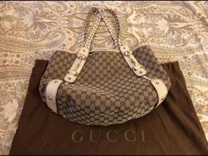 Gucci Hobo bag with cream leather handles for Sale in Fairfax Station, VA