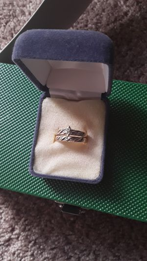 10k gold Woman's engagement ring and matching wedding band for Sale in Richmond, VA