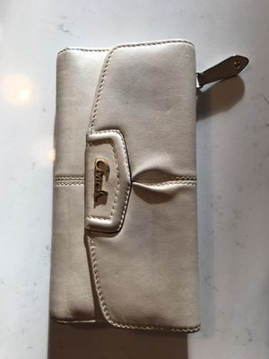 Coach wallet white cream colour for Sale in Cary, IL