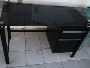 Desk and bookcase for Sale in Las Vegas, NV