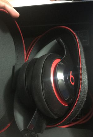Studio beats 2 (wired) for Sale in Fowler, CA