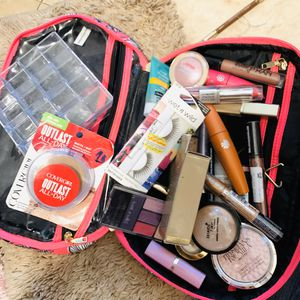 Misc makeup clear out makeup bag organizer for Sale in Pomona, CA