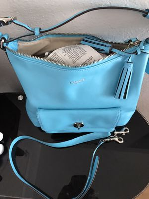 Chic coach authentic purse new $150 for Sale in Fresno, CA