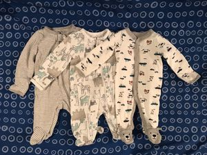 3 Newborn Carter's Footies & 15 FREE Pampers Newborn Diapers for Sale in Pompano Beach, FL