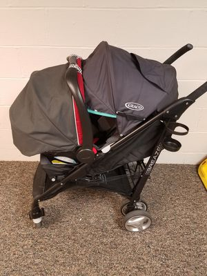 graco breaze stroller and snugride30 carseat for Sale in Northfield, OH